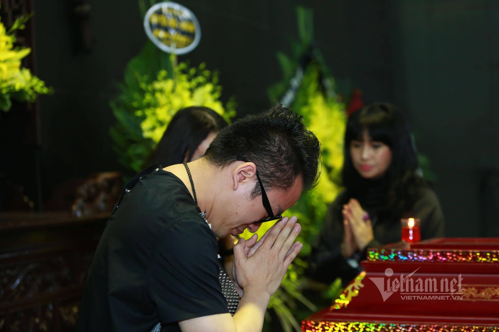 Tùng Dương, Thanh Lam bật khóc trước linh cữu nhạc sĩ Phó Đức Phương