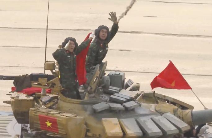 Tuyển xe tăng Việt Nam nhận cúp vô địch Army Games 2020 - Ảnh 3.