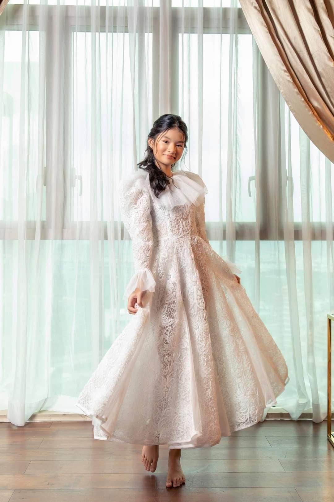 Vợ xinh đẹp, giỏi giang bí mật tổ chức sinh nhật sớm cho Tuấn Hưng