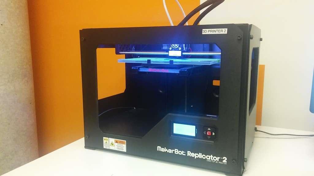 9 sản phẩm công nghệ đánh dấu thập niên 2010-2020. Máy in 3D Makerbot Replicator (2012)