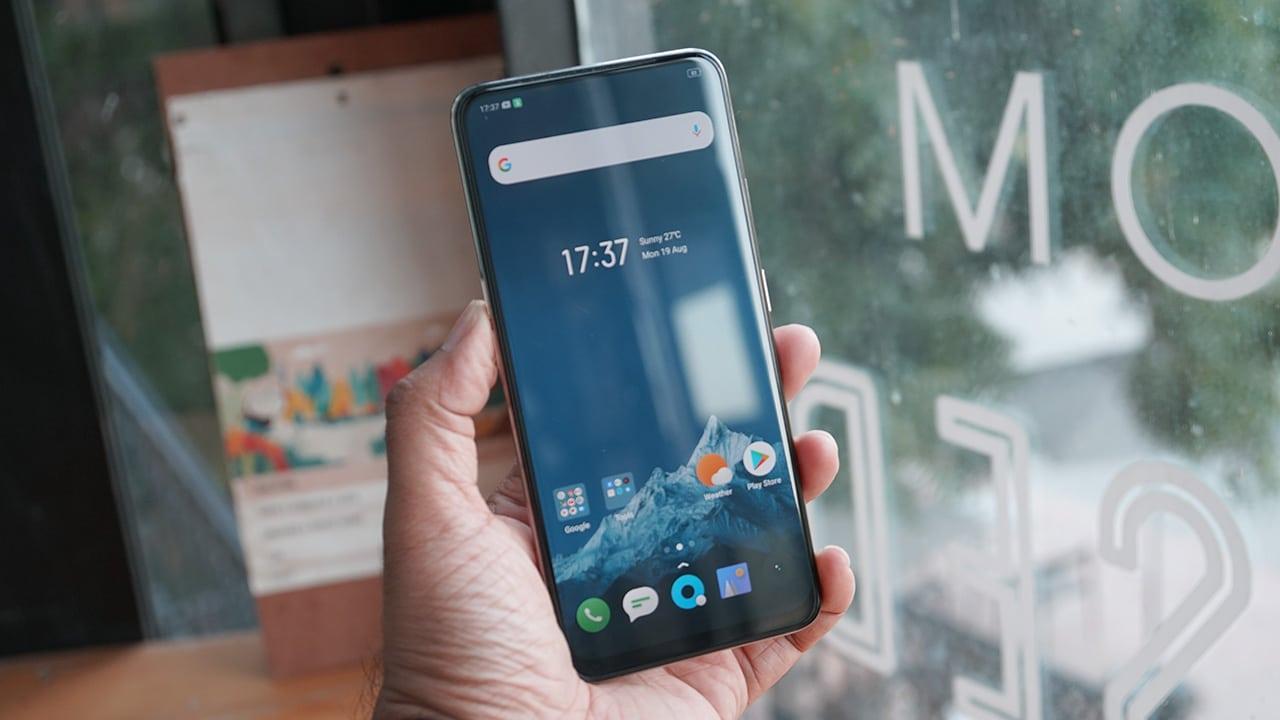 Realme X: Nếu cần tìm một chiếc smartphone giá rẻ, cấu hình ngon mà có camera dạng thò thụt, màn hình tràn viền cùng vân tay dưới màn hình thì không thể bỏ qua chiếc smartphone này.