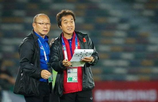Thày Park quyết định loại 5 tuyển thủ. Ảnh: VFF