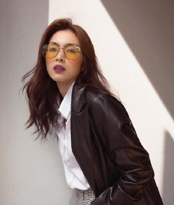 Tăng Thanh Hà lên xe hoa vào năm 2012 với doanh nhân Louis Nguyễn. Từ đó, cô rời xa showbiz, tập trung kinh doanh và chăm sóc gia đình.