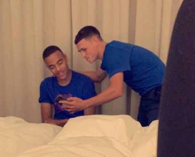 Dính scandal gái gọi Iceland, hai sao trẻ bị đuổi khỏi tuyển Anh - Ảnh 9.