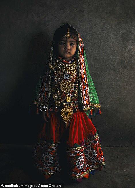 Thú vị loạt ảnh các bộ tộc độc đáo Ấn Độ - Ảnh 14.
