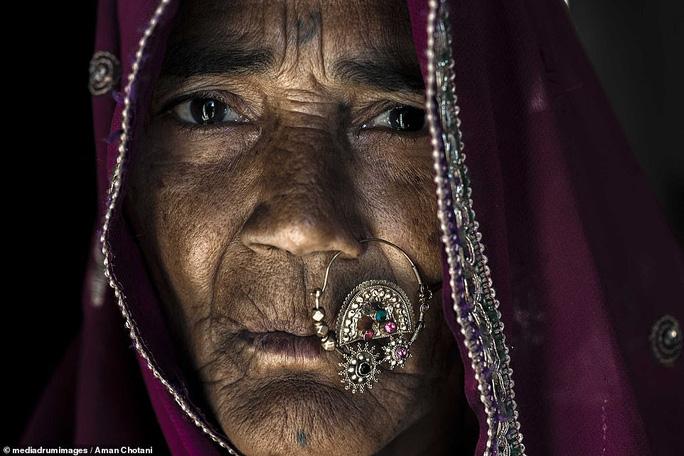 Thú vị loạt ảnh các bộ tộc độc đáo Ấn Độ - Ảnh 13.