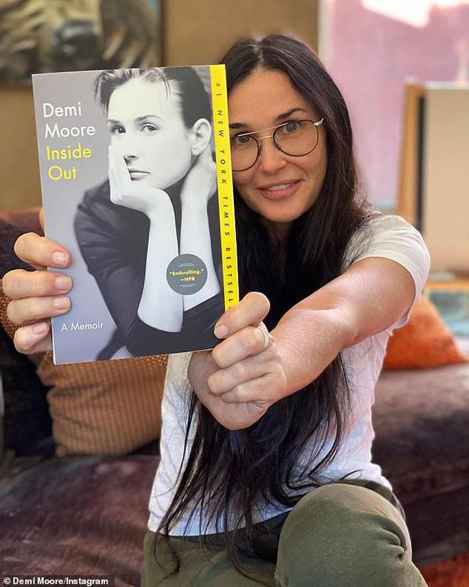 Minh tinh Demi Moore gây sốc với gương mặt khác lạ - Ảnh 4.