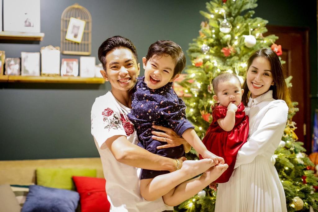 Gia đình hạnh phúc của Khánh Thi