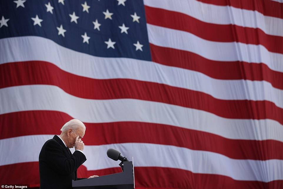 Ông Biden có bài phát biểu xúc động về người con trai đã qua đời vì căn bệnh ung thư cách đây mấy năm