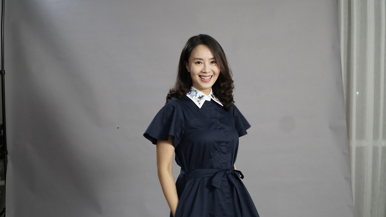 Hồng Diễm nhận giải Nữ diễn viên xuất sắc