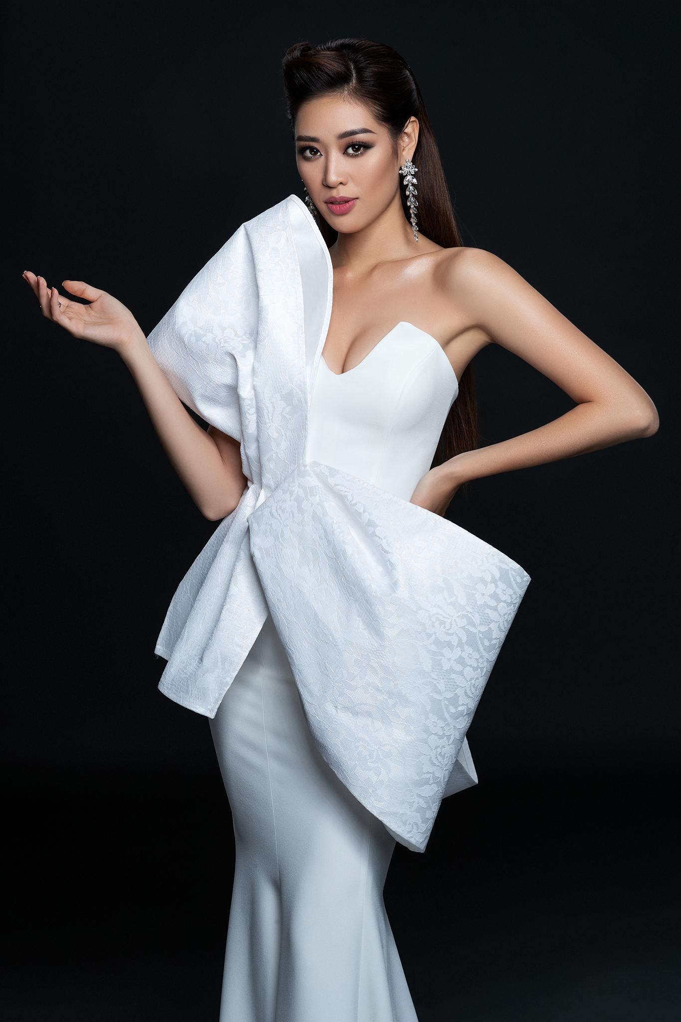 Cô tiết lộ, khi cùng tổ chức Hoa hậu Hoàn vũ Việt Nam bàn bạc về tưởng cho bộ ảnh beauty đầu tiên, cô đã đề xuất mong muốn được thực hiện bộ ảnh cùng với nhiếp ảnh gia Nguyễn Long và make up Trung Lạc. Đây là hai người anh đã gắn bó cùng Khánh Vân nhiều năm, từng kết hợp chung trong nhiều shoot ảnh.