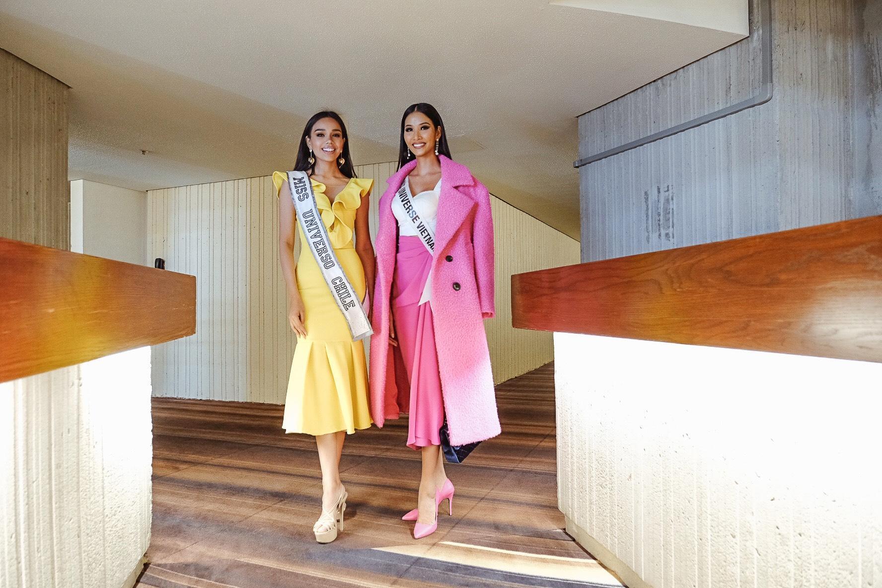 Hoàng Thùy rực rỡ  nhập cuộc Miss Universe 2019