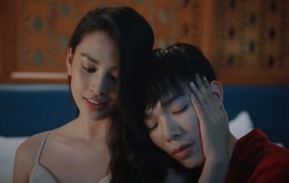 Hoa hậu Tiểu Vy vào vai người yêu Erik trong MV