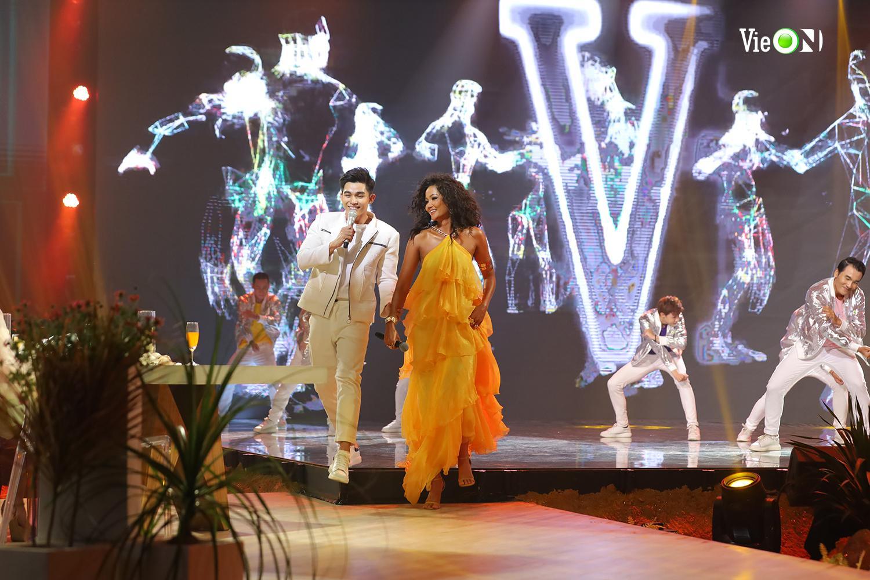 Hoa hậu H'Hen Niê và ca sĩ Jun Phạm