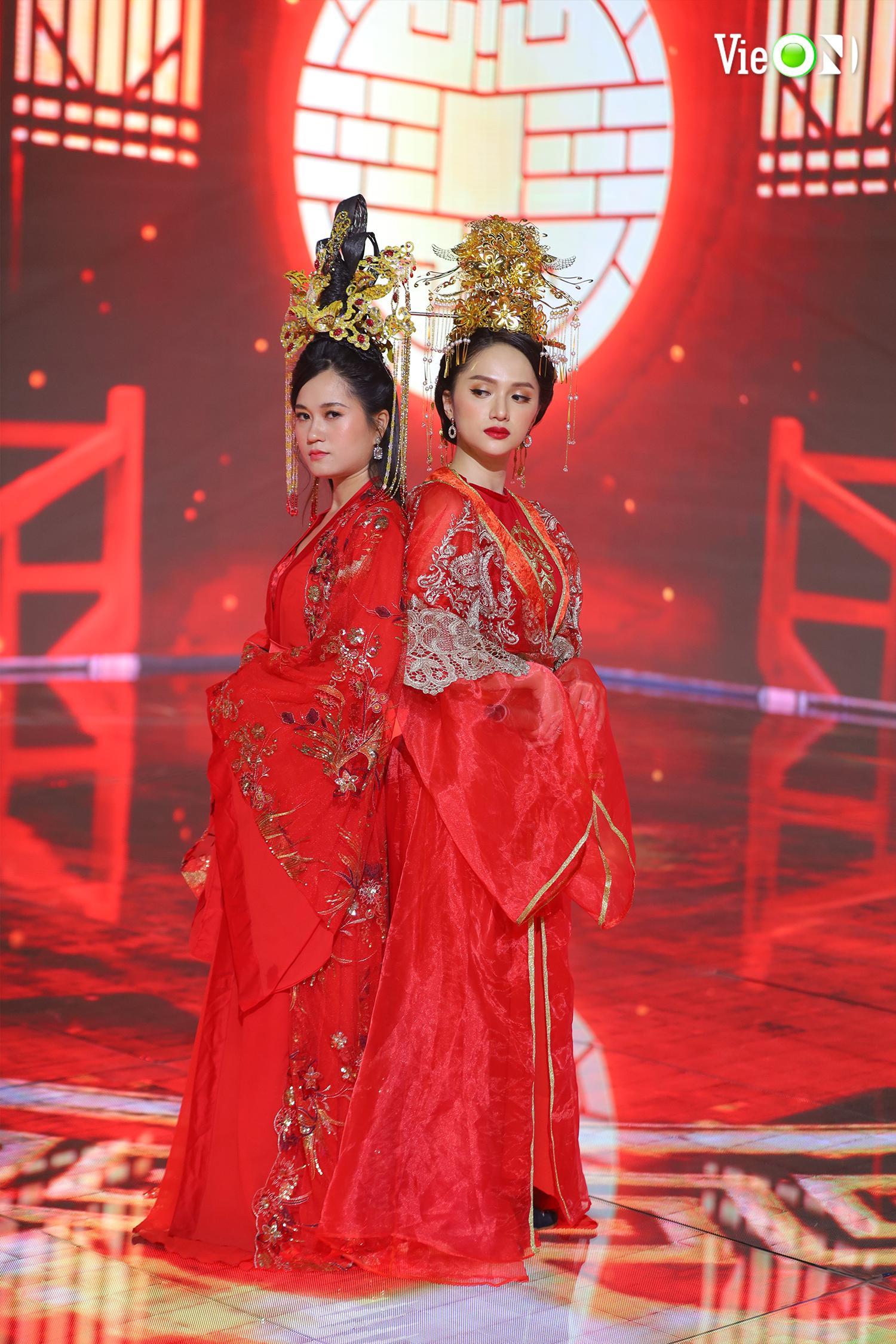 Hoa hậu Hương Giang và diễn viên Lâm Vỹ Dạ cũng góp mặt trong chương trình