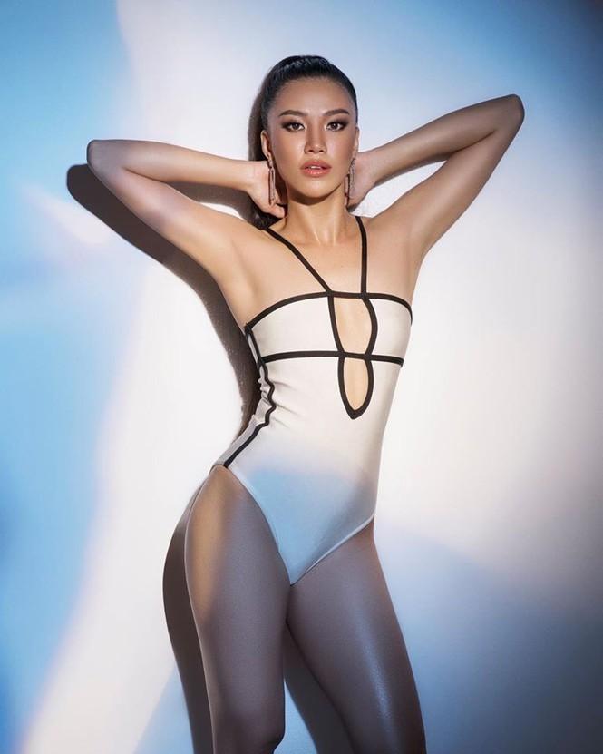 'Bỏng mắt' khi ngắm Á hậu Kim Duyên diện áo tắm