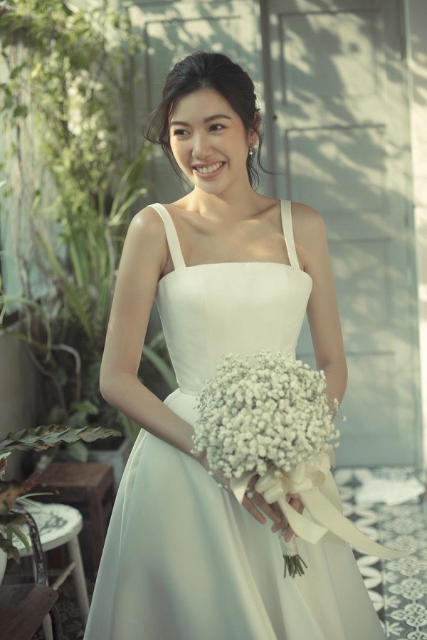 Ảnh cưới đẹp dịu dàng của Á hậu Thuý Vân