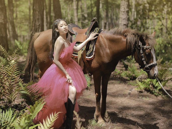 Mẫu nhí Bảo Hà hóa công chúa trong rừng - Ảnh 6.