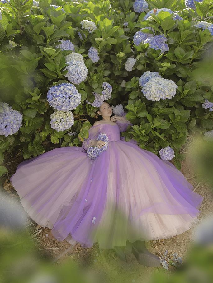 Mẫu nhí Bảo Hà hóa công chúa trong rừng - Ảnh 14.