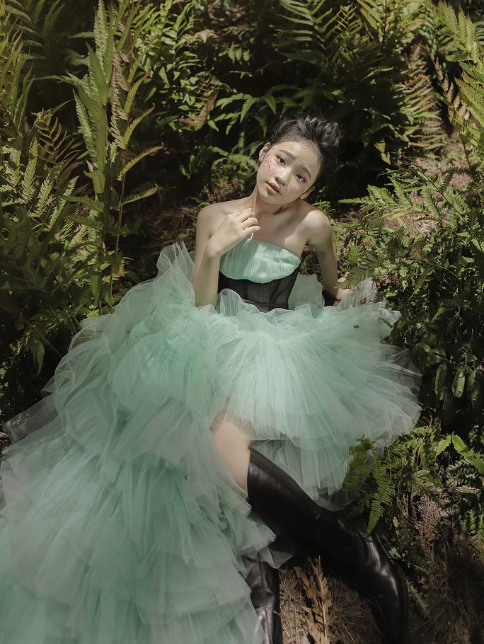 Mẫu nhí Bảo Hà hóa công chúa trong rừng - Ảnh 5.