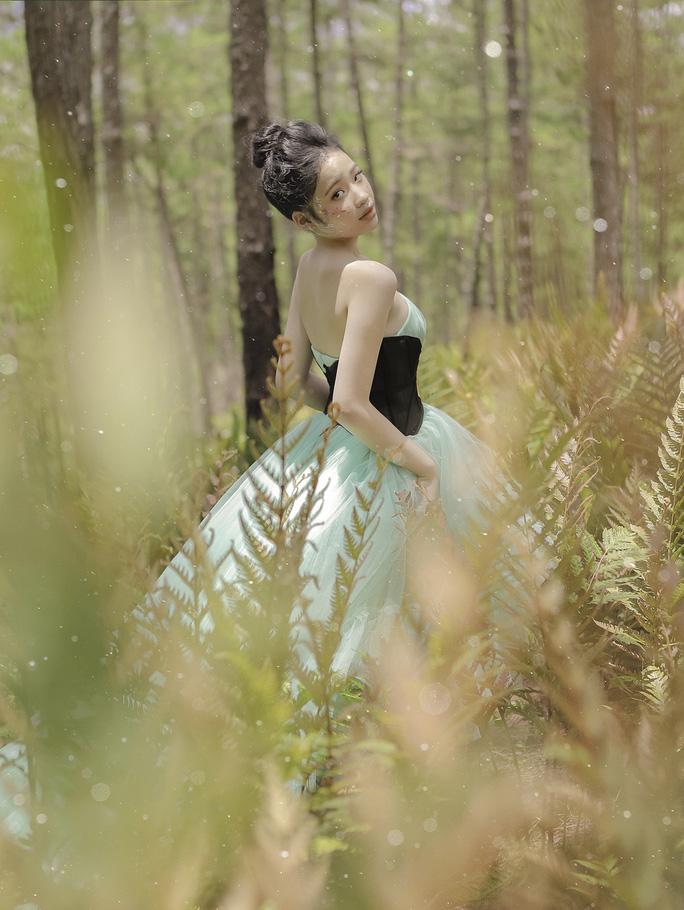 Mẫu nhí Bảo Hà hóa công chúa trong rừng - Ảnh 3.