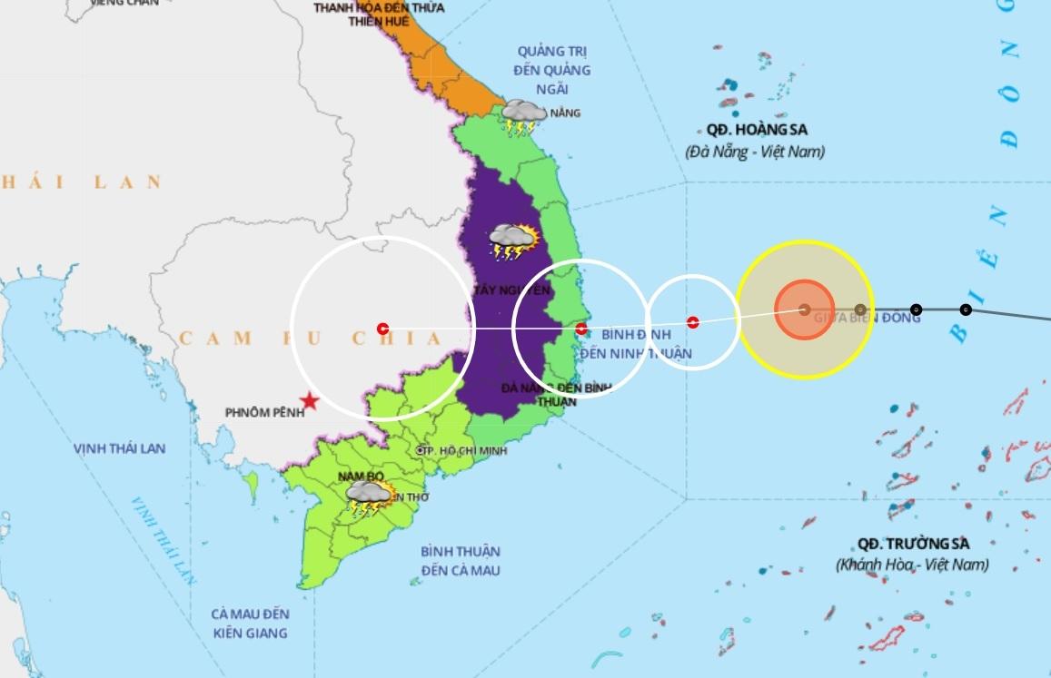 Biển Đông náo động bão số 12, nguy cơ xuất hiện bão số 13