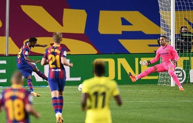 Messi lập công, Barca nhấn chìm 'Tàu ngầm vàng'