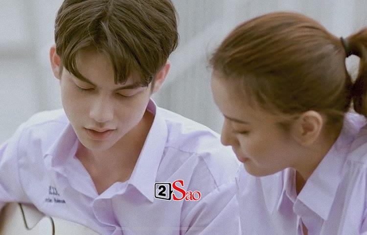 Bông hồng lai Việt gây sốt vì chụp hình cùng cặp hotboy đam mỹ Bright - Win-7