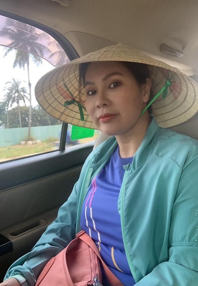 Chân dung bạn gái doanh nhân sắp cưới của diễn viên Quý Bình
