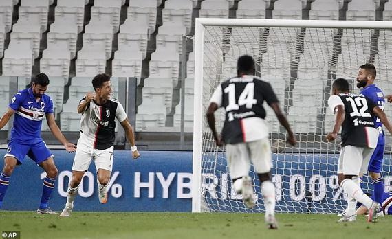 CR7 ghi bàn mở tỉ số cho Juventus