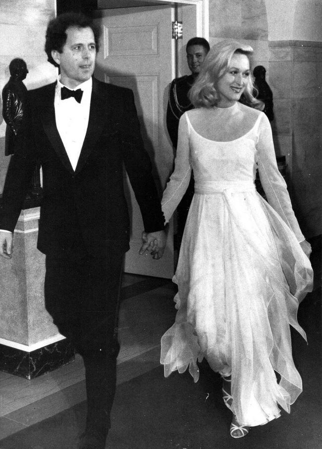 'Tình thập kỷ' của các cặp đôi nổi tiếng Hollywood
