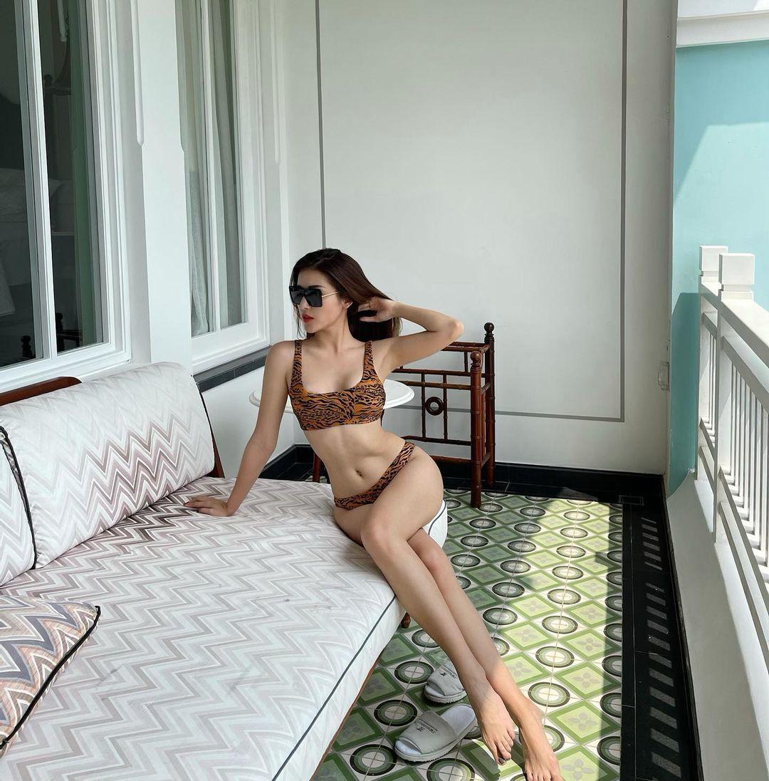 Dàn người đẹp Việt vẫn giữ được eo thon hậu ăn Tết