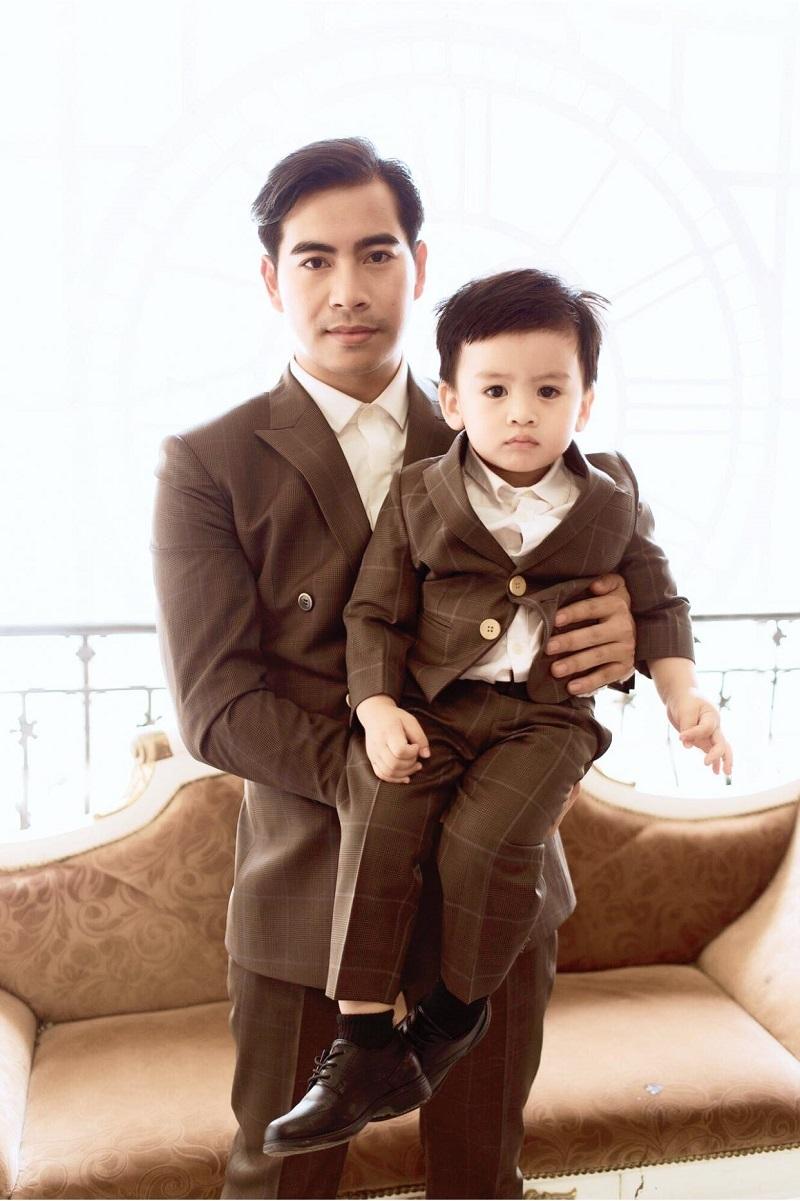 Đông Nhi - Ông Cao Thắng khoe nhẫn cưới đặc biệt sau đám cưới 10 tỷ