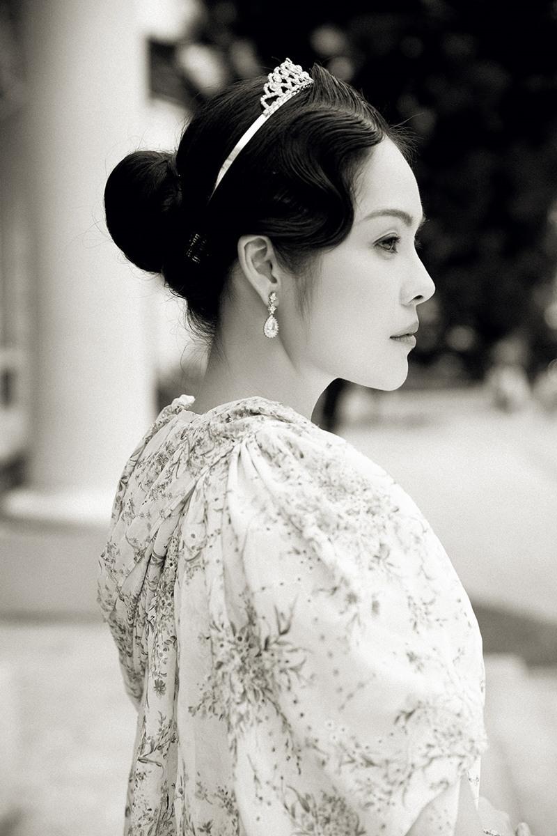 Dương Cẩm Lynh hóa thân thành Nam Phương hoàng hậu