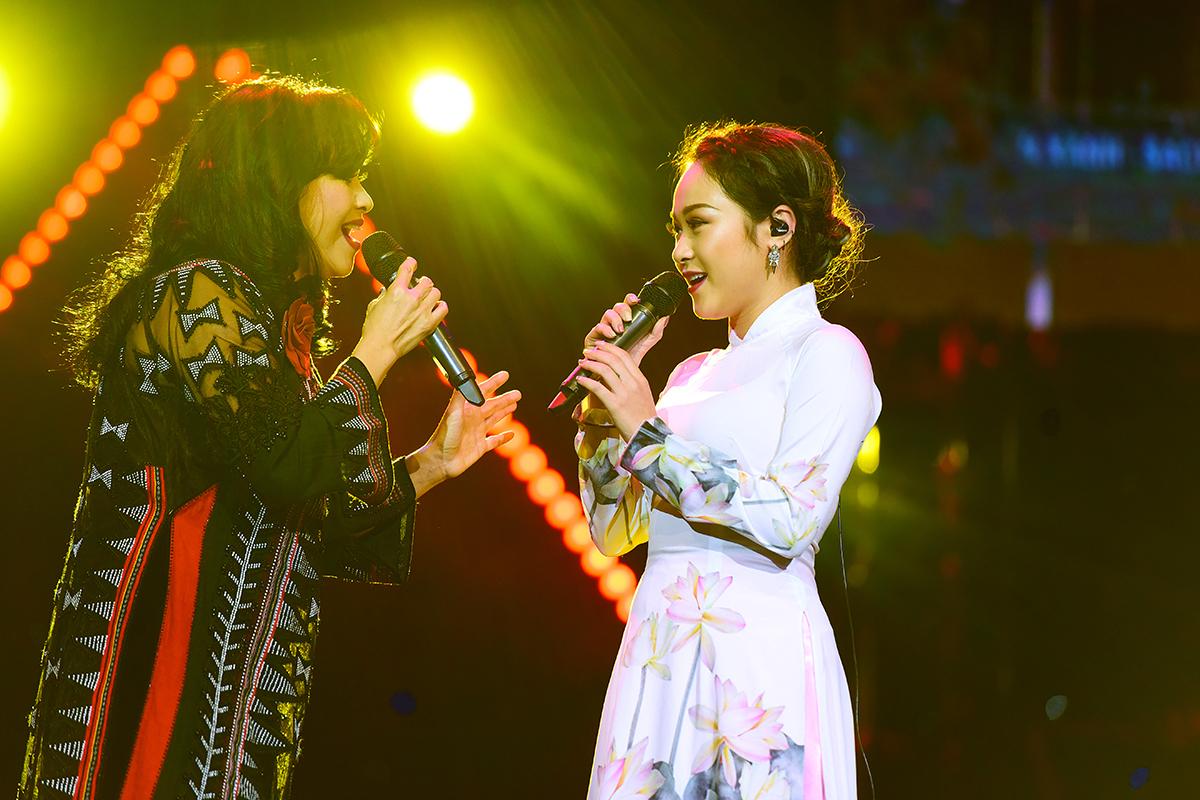 Hai con gái xinh đẹp, hát hay của Thanh Lam, Mỹ Linh