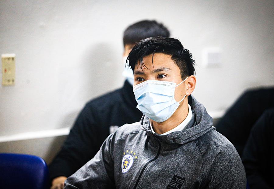 Quang Hải, Văn Hậu xét nghiệm Covid-19 sau Tết