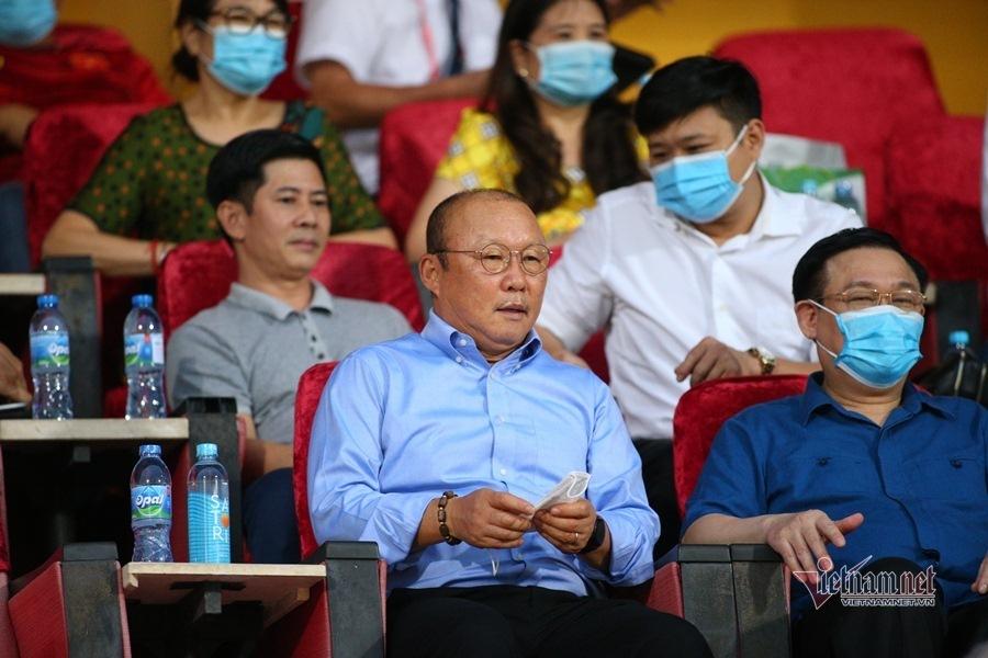 Thầy Park chạm tay có vàng, gọi Văn Quyết trở lại thôi
