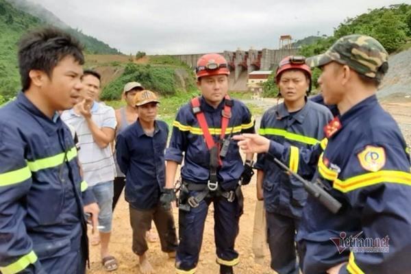 Hiện trường lở núi san phẳng nhà điều hành Thủy điện Rào Trăng 3