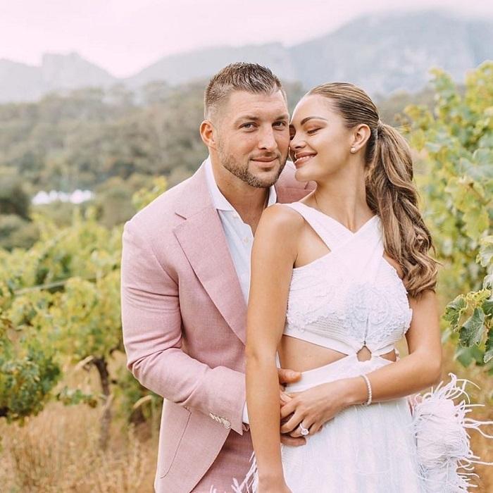 Hoa hậu Hoàn vũ 2017 cưới tình cũ Hoa hậu Hoàn vũ 2012