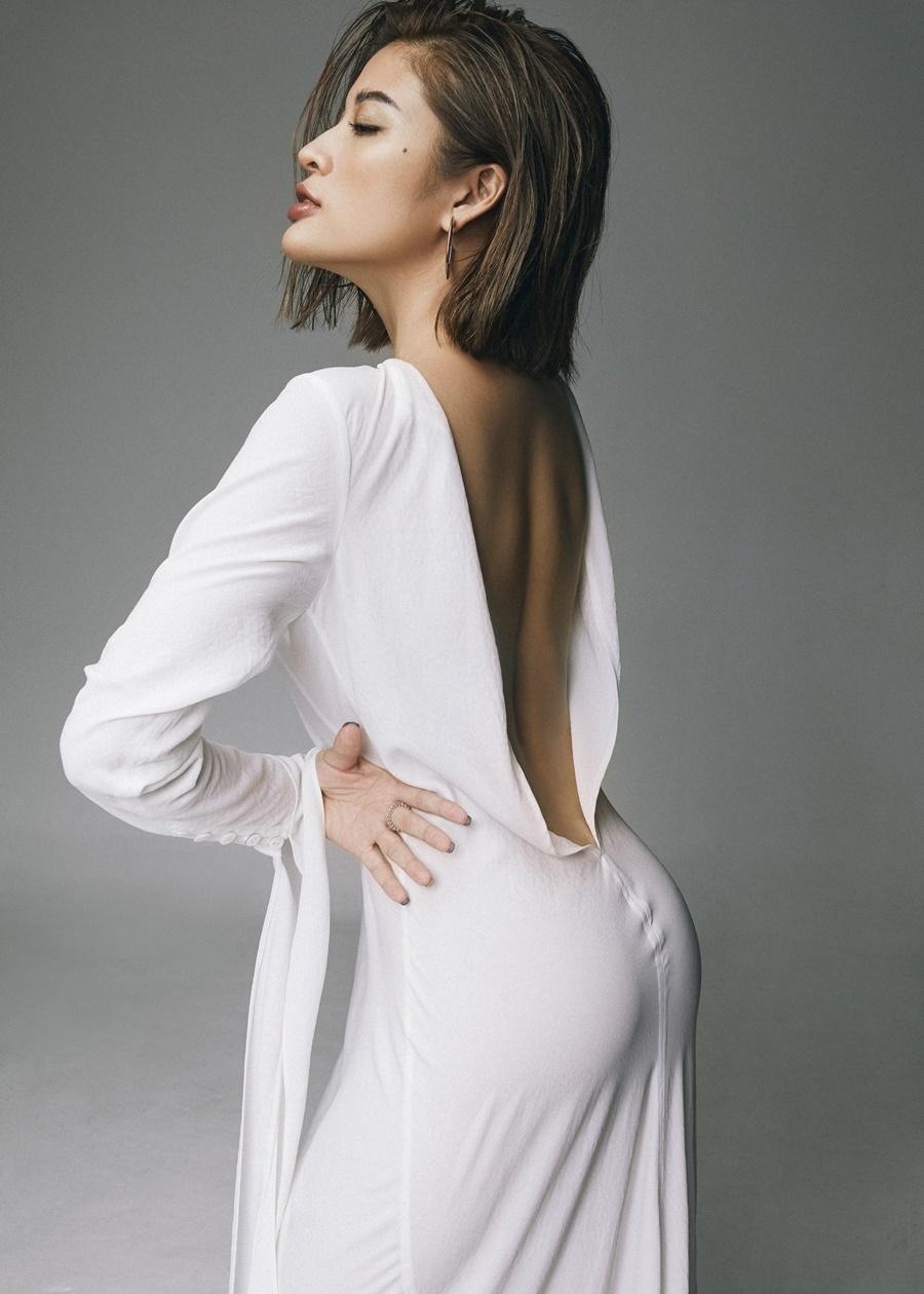 Hoa hậu Phan Hoàng Thu khoe body 'đồng hồ cát' ở tuổi 30