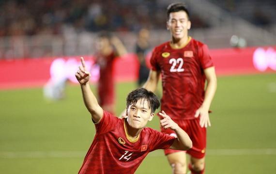 """Hoàng Đức với """"siêu phẩm"""" đem về chiến thắng 2-1 cho U22 Việt Nam trước U22 Indonesia"""