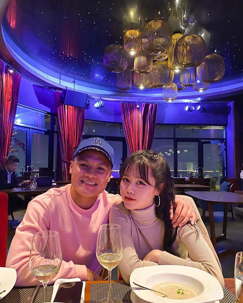Bạn gái mới Quang Hải sở hữu BST hàng hiệu đúng chuẩn Rich Kid-1