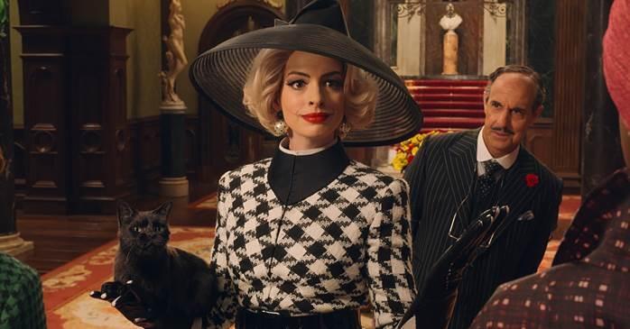 """Phim đánh dấu lần tái hợp đầu tiên của bộ đôi Stanley Tucci và Anne Hathaway kể từ sau thành công của bộ phim """"The Devil Wears Prada"""" (Yêu Nữ Thích Hàng Hiệu) năm 2006."""