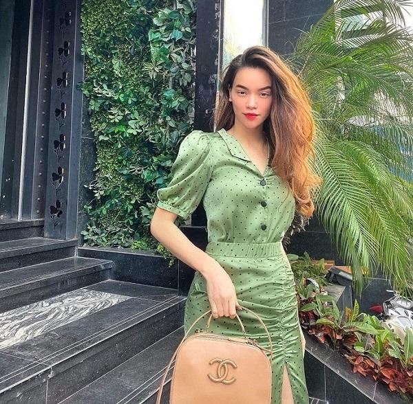 Khắc Việt hôn vợ trên đất Mỹ, Ngọc Trinh khoe 180 dáng xinh