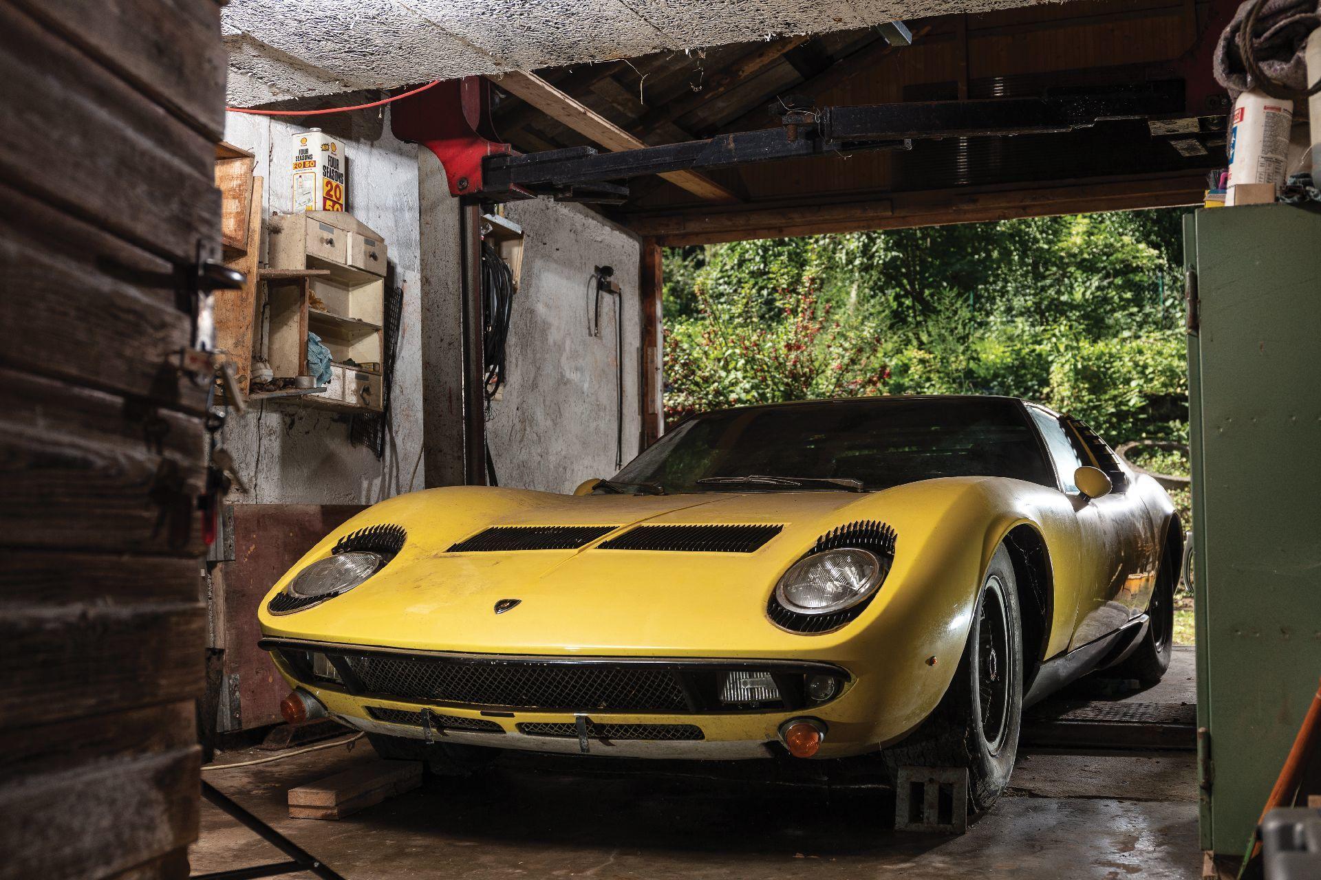 Siêu xe Lamborghini Miura P400 hàng hiếm bán giá 37 tỷ