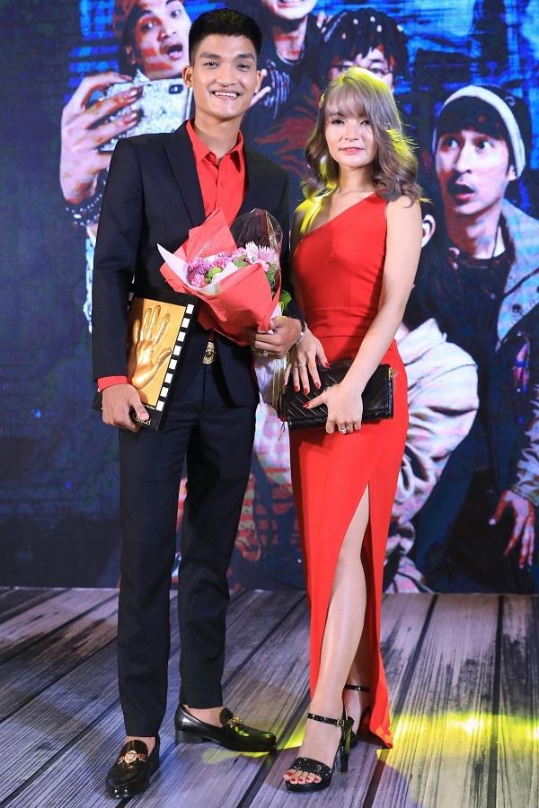 Vợ sắp cưới khoe ảnh nóng bên Mạc Văn Khoa sau thông báo hoãn tổ chức hôn lễ-2