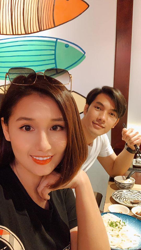 Minh Hằng xinh đẹp, rạng rỡ tuổi 33