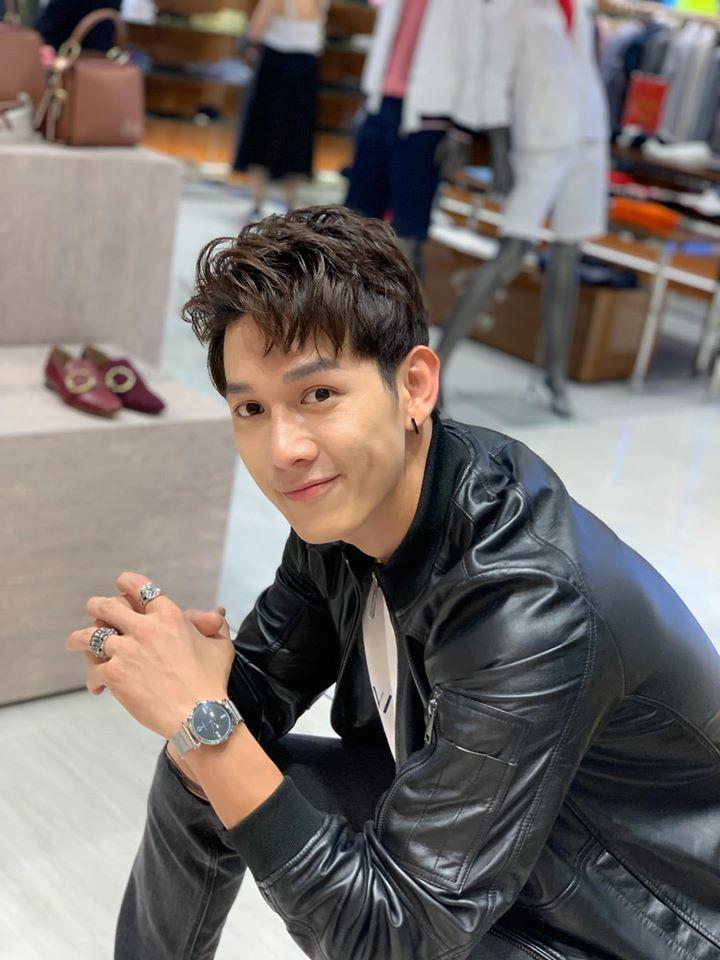 Điển trai, người đẹp, mỹ nam 'Hậu duệ mặt trời Việt' đốn tim fan nữ