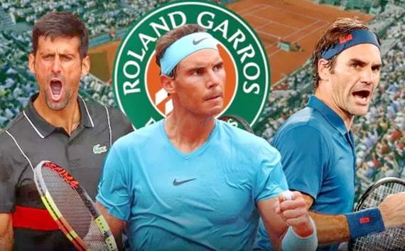 Nadal (giữa) đang là ĐKVĐ giải Roland Garros