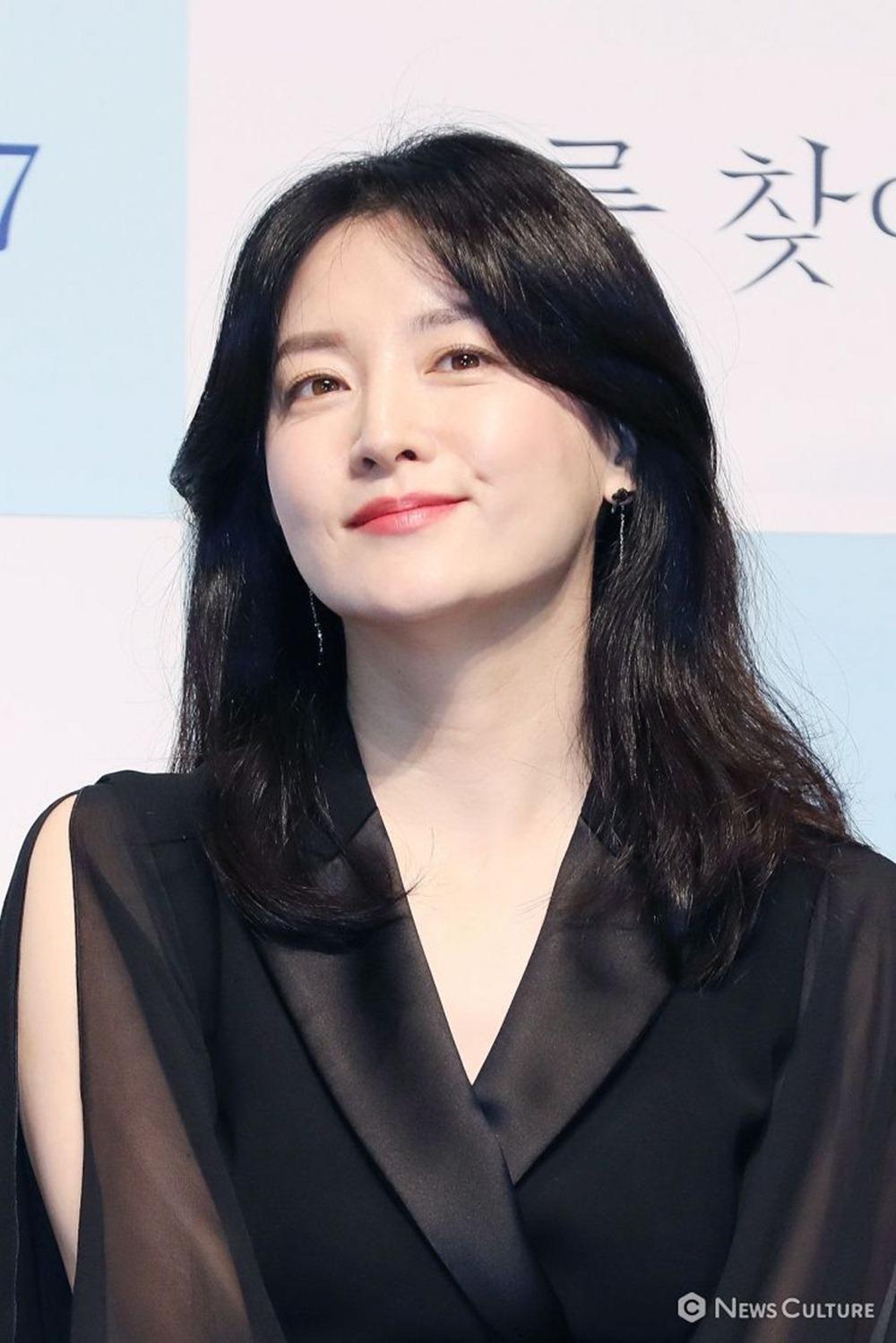 Nàng Dae Jang Geum gây sốt với nhan sắc trẻ trung ở tuổi 48